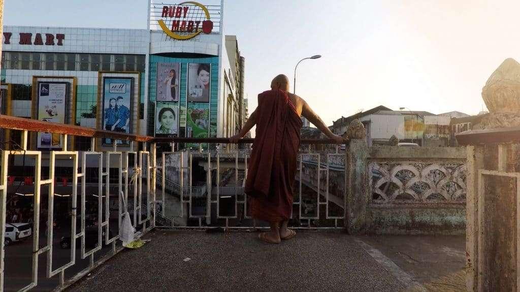 YANGON'S STREET FOOD | Best places to eat in Yangon | Myanmar