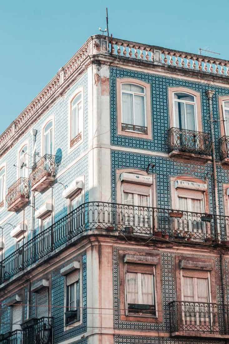 Portugal travel tips, how to plan a trip to Portugal, Why visit Portugal, why you should visit Portugal, the best time to visit Portugal, essential Portugal travel tips, what to eat in Portugal, how much is a trip to Portugal, Portugal on a budget, best things to do in Portugal