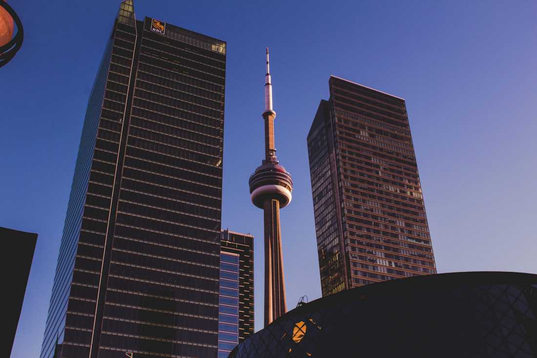 Toronto city guide. Must do Toronto, Toronto travel tips, how to plan a trip to Toronto, Why visit Toronto, why you should visit Toronto, the best time to visit Toronto, essential Toronto travel tips, what to eat in Toronto, how much is a trip to Toronto, Toronto on a budget, best things to do in Toronto