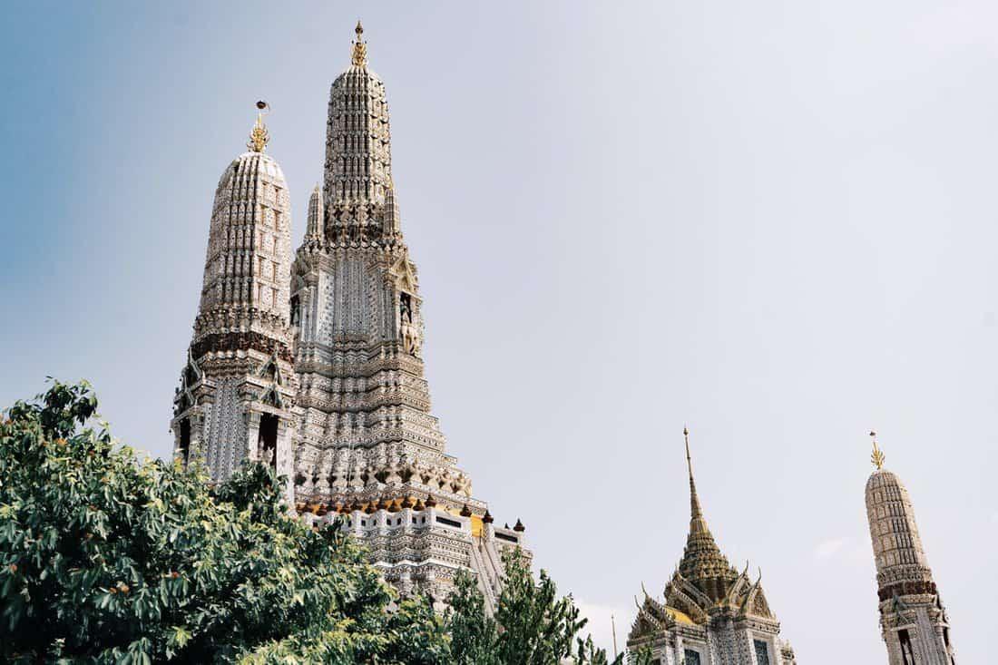 Bangkok travel guide, Bangkok city guide, Must do Bangkok, Bangkok travel tips, how to plan a trip to Bangkok, Why visit Bangkok, why you should visit Bangkok, the best time to visit Bangkok, essential Bangkok travel tips, what to eat in Bangkok, how much is a trip to Bangkok, Bangkok on a budget, best things to do in Bangkok